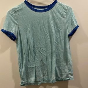 American Eagle blue T-shirt